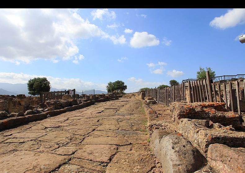 Area-archeologica-Nora-Pula.jpg