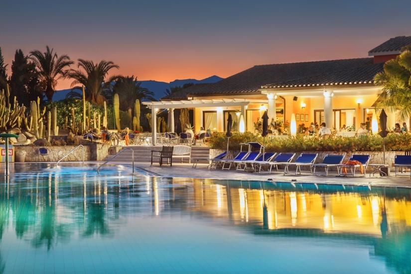 hotel-piscina-pula