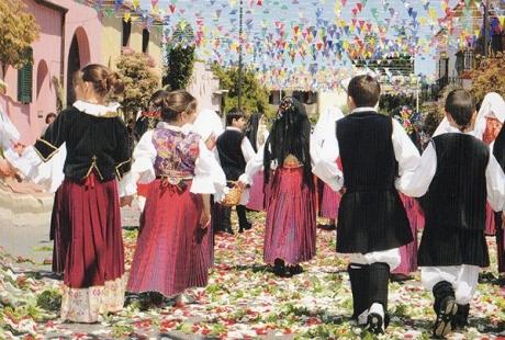 Processione-religiosa-Sardegna.jpg