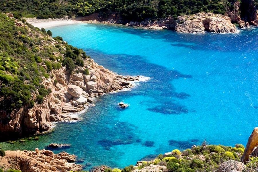 Spiaggia-di-Nora-di-Pula-in-Sardegna.jpg