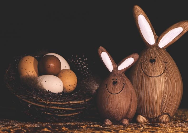 Coniglio e uova di Pasqua 2019