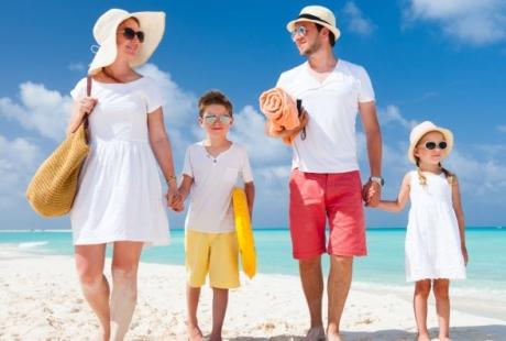 famiglia-spiaggia-mare